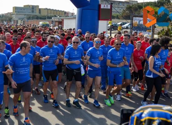 """""""Io corro con te"""", Bisceglie Running coinvolge, appassiona e unisce. TUTTE LE FOTO della sei chilometri"""