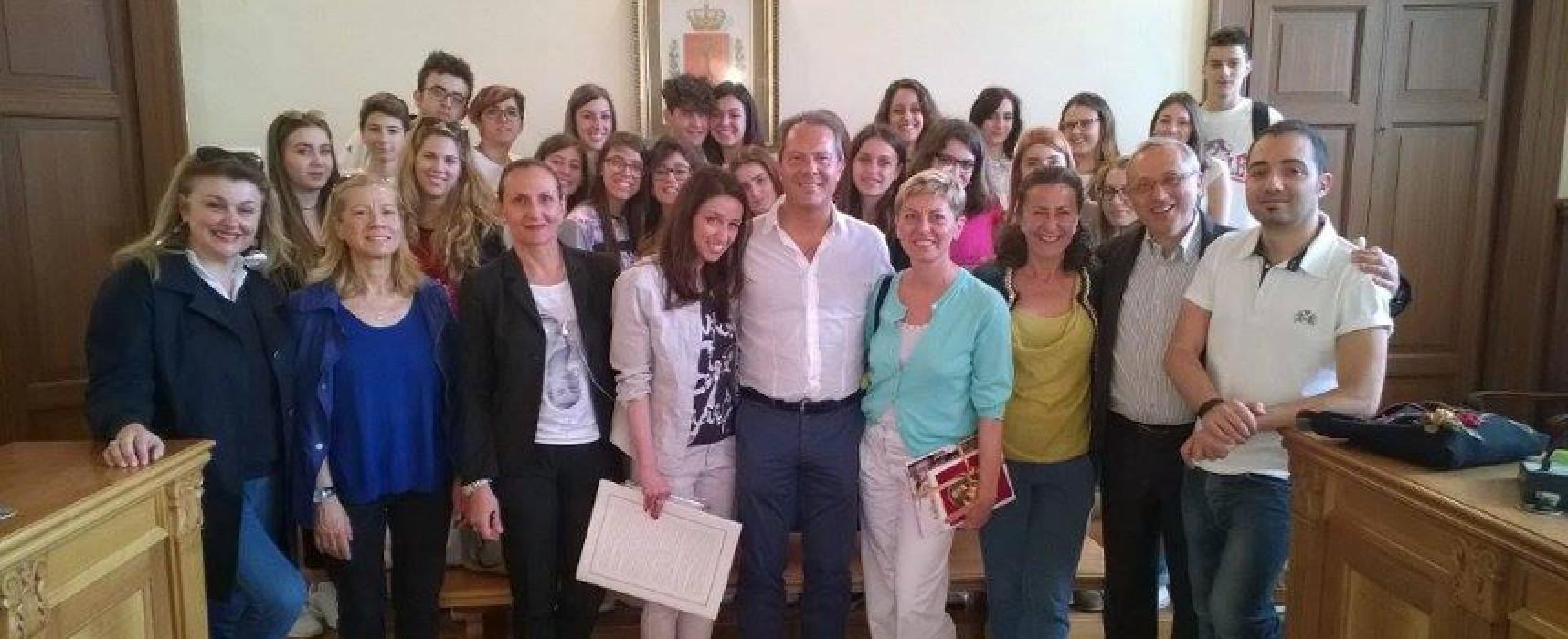 Bisceglie accoglie studenti del Liceo di Sremski Karlovci (Serbia), il benvenuto a Palazzo san Domenico