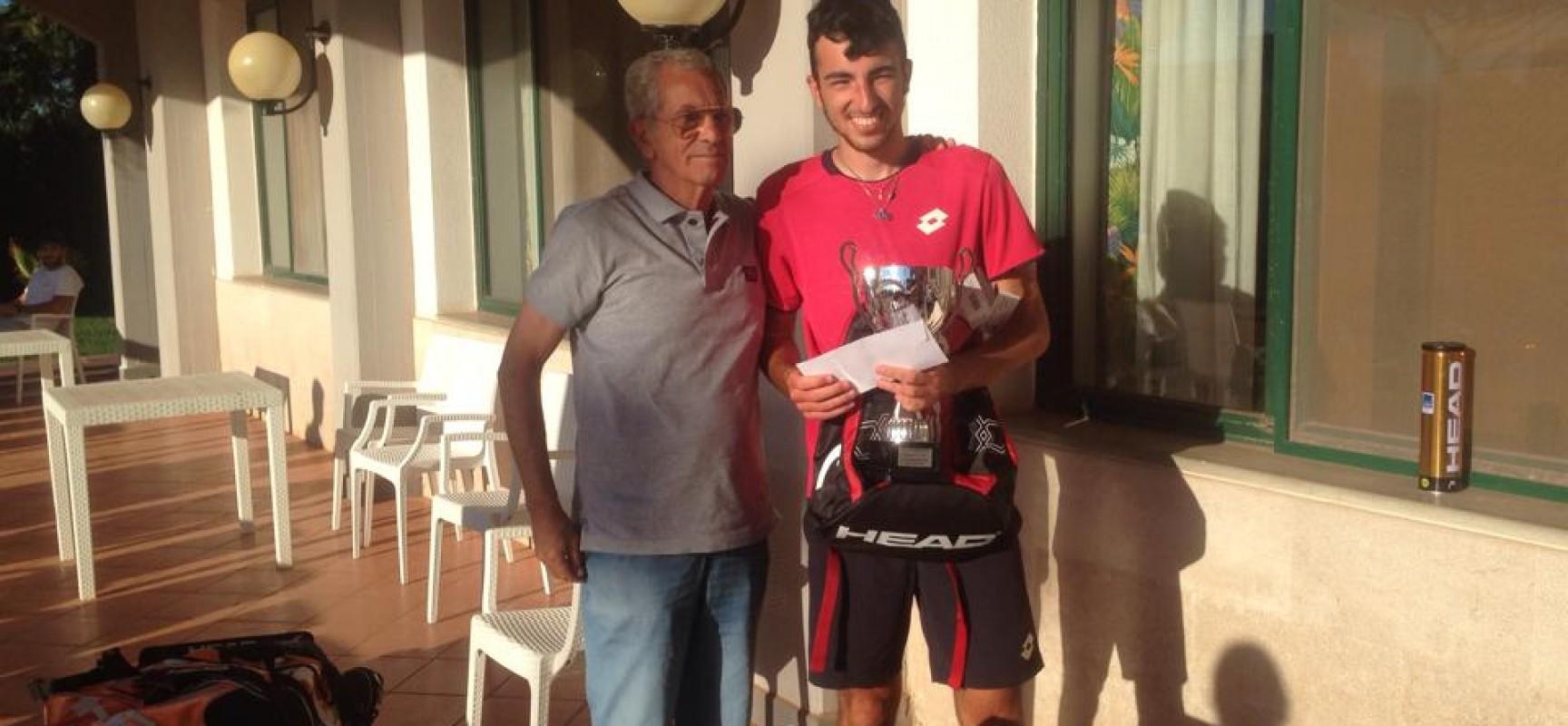 Tennis, Danilo Pappalettera trionfa a Barletta!