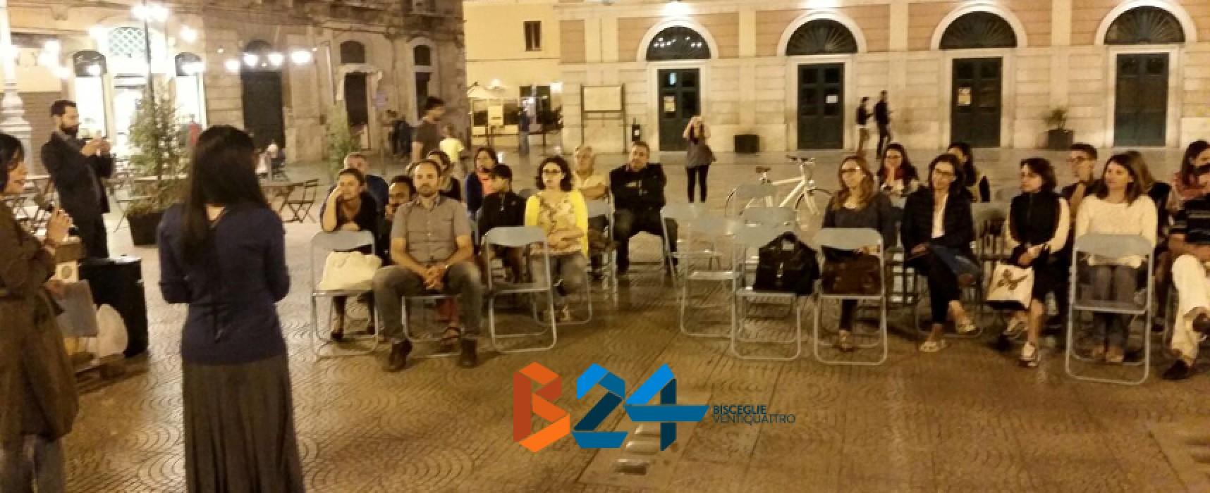"""Divertimento e cultura, il connubio vincente di """"Accendi la notte con un libro"""" in piazza Regina Margherita"""