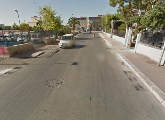 Bomba esplosa nella notte in via Lamaveta, in fiamme auto di una concessionaria