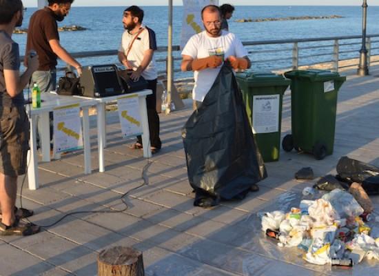 Trash-mob di Puglia Differente, il 73% dei rifiuti erroneamente conferiti nell'indifferenziata / FOTO