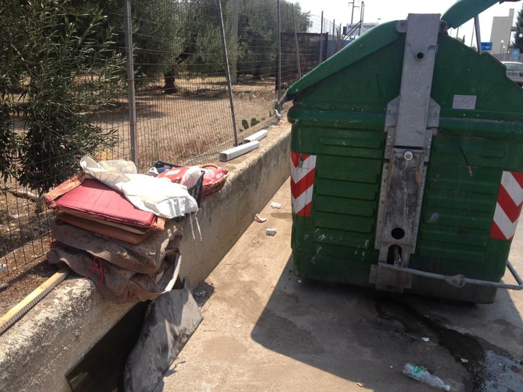Nucleo guardia ambientale rifiuti_via Ruvo