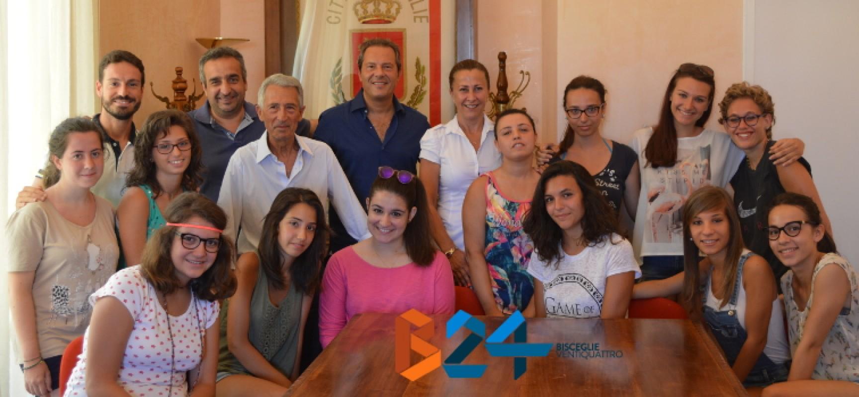 """Pro Loco, sindaco Spina e assessore Sasso incontrano le ragazze della """"Summer School"""" / FOTO"""