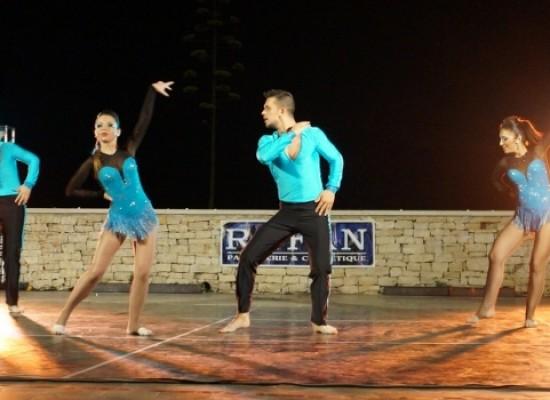 """Alta moda, musica e danza: successo di pubblico per """"Notte di Stelle"""" / FOTO"""