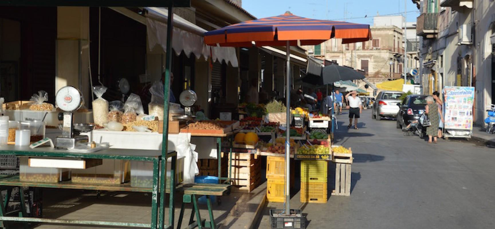 Bando per l'assegnazione di box e panche al mercato di Corso Umberto