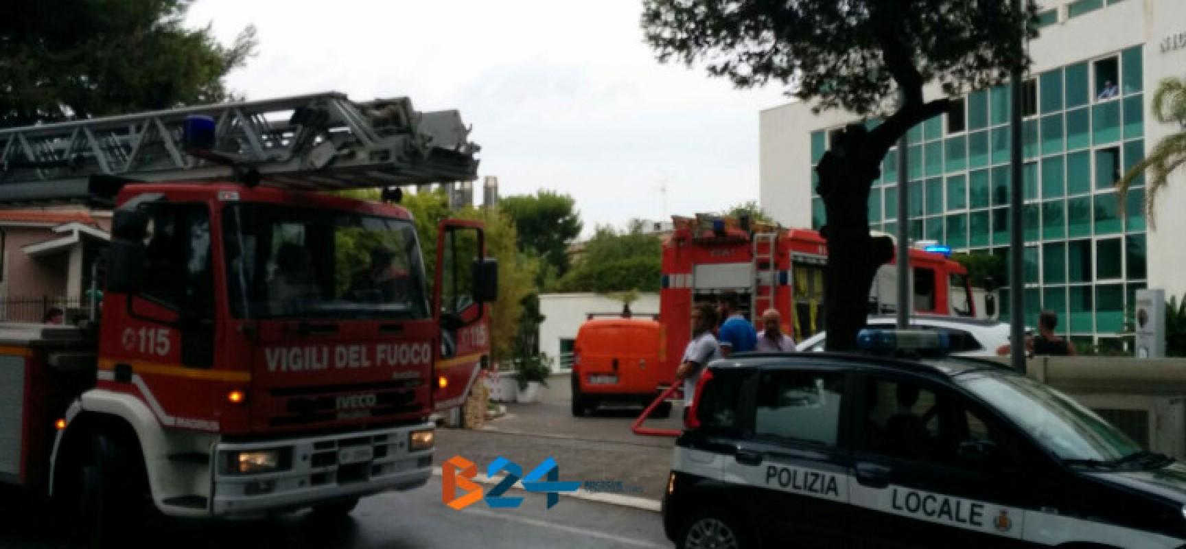 Principio di incendio prontamente domato presso l'hotel Nicotel in via Della Libertà