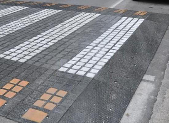 Nuovi limiti di velocità e attraversamenti pedonali rialzati nei pressi delle scuole