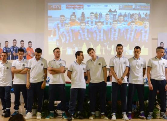 Parte ufficialmente la stagione del Futsal Bisceglie, ieri la presentazione / FOTO