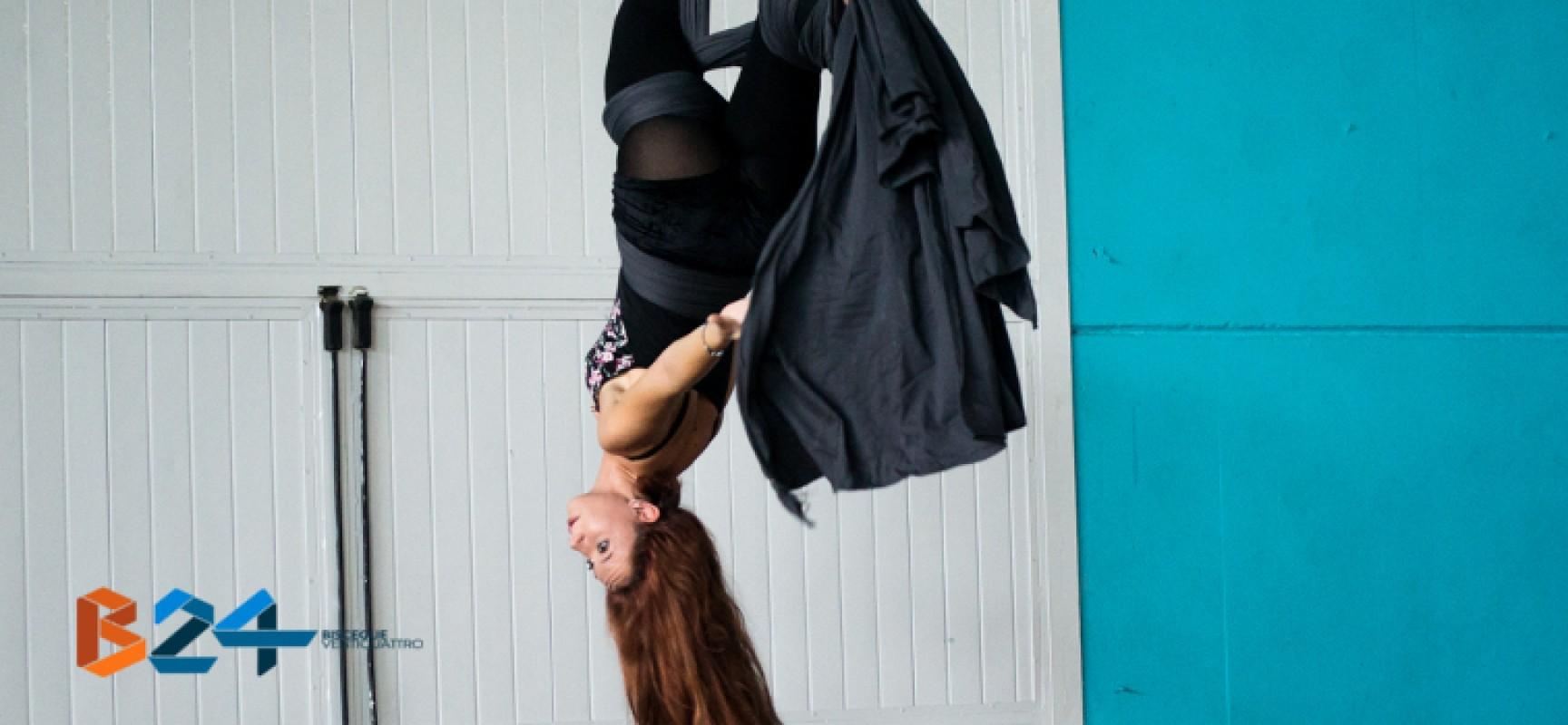 Tessuti aerei, l'antica disciplina circense arriva a Bisceglie grazie a Deianira Curti / FOTO