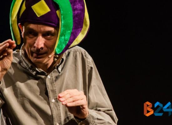 """Debutto positivo per il divertente """"Chi è causa del suo mal pianga sul cesso"""" di Massimo Valente"""
