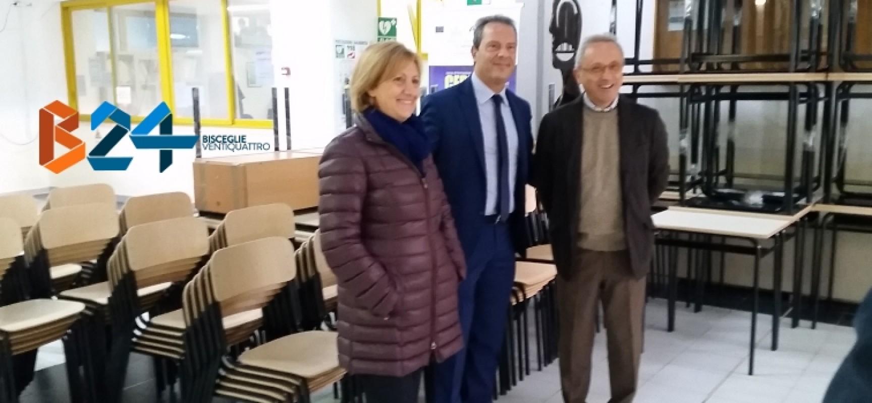 Provincia bat consegnati gli arredi scolastici alle for Arredi scolastici