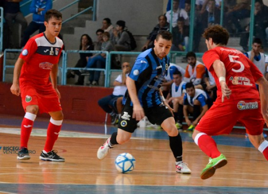 Guarda gli highlights di Futsal Bisceglie-Borussia Policoro 4-3 /VIDEO
