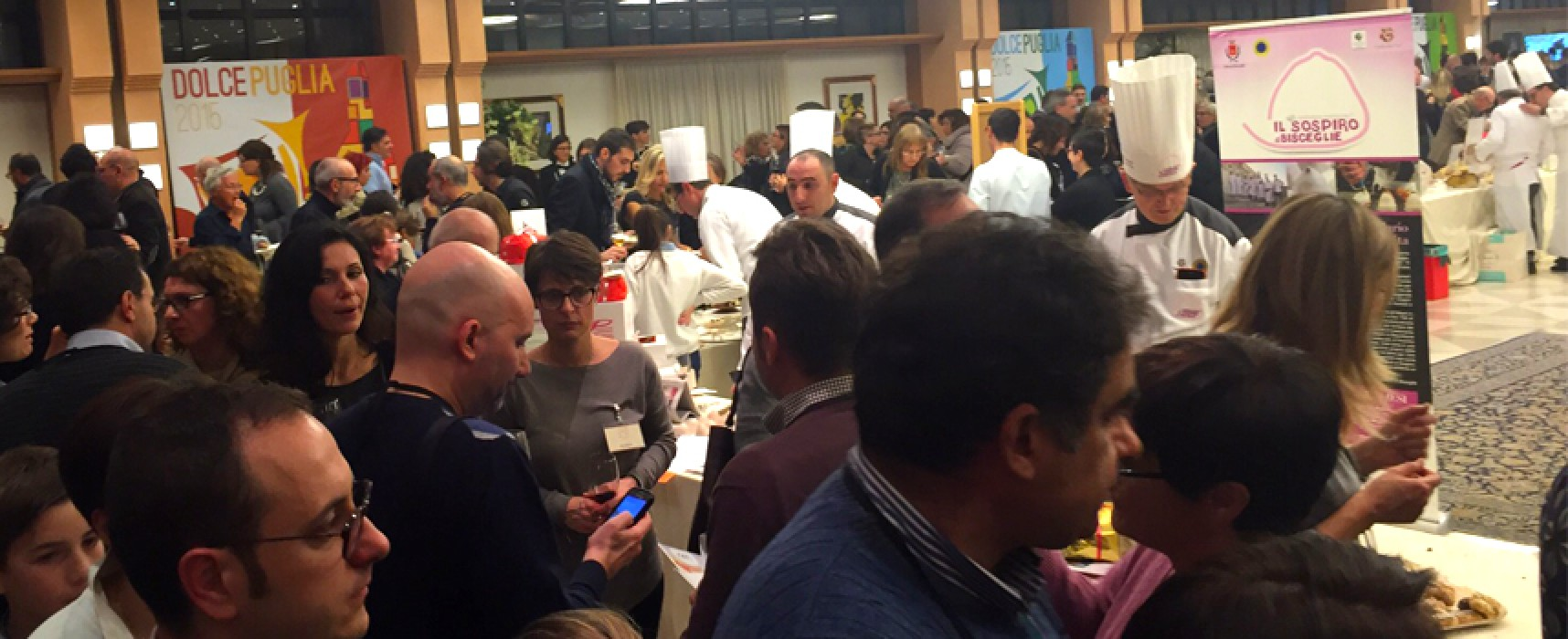Il sospiro conquista Alberobello, consensi per il consorzio dei pasticcieri a Dolce Puglia / FOTO