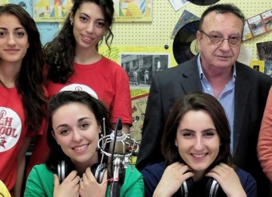 """Radio Centro 'pesca' e forma speaker dal """"Dell'Olio"""" per nuovo programma radiofonico / COME CANDIDARSI"""