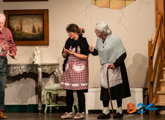 Pregi e difetti dell'amicizia messi in scena, tra gag e malintesi, dalla Compagnia Dialettale / FOTO