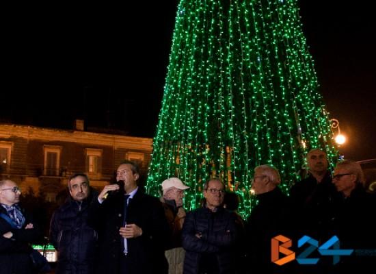 Presentato il programma di eventi natalizi e accese le luminarie / TUTTI GLI APPUNTAMENTI
