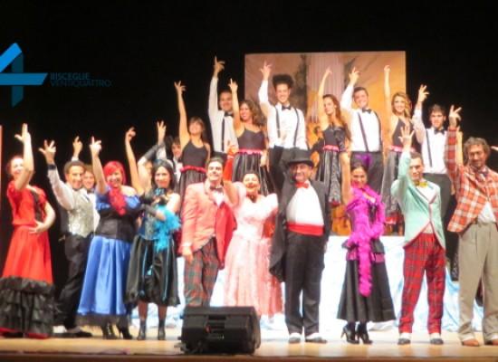 """Sorrisi e applausi """"Al Grand Café Chantant"""" della Compagnia dei teatranti / FOTO"""