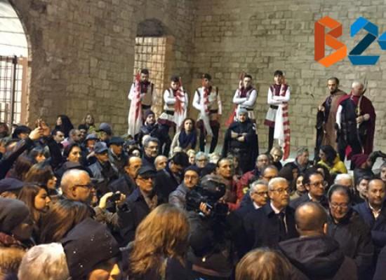 I biscegliesi riabbracciano il castello svevo-angioino, folla entusiasta alla riapertura / FOTO