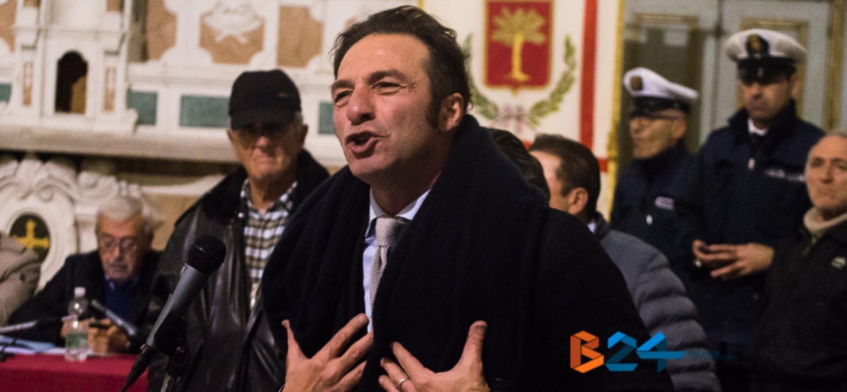 """Casella (Dc): """"Invito Napoletano a dimettersi dal ruolo patetico che riveste"""""""