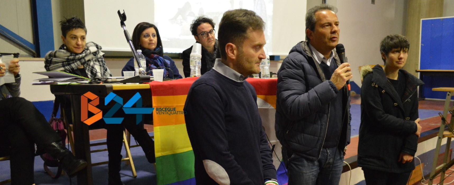 """Alunni, docenti e genitori a lezione di diversità: """"Solo l'amore fa di una famiglia una buona famiglia"""" / FOTO"""