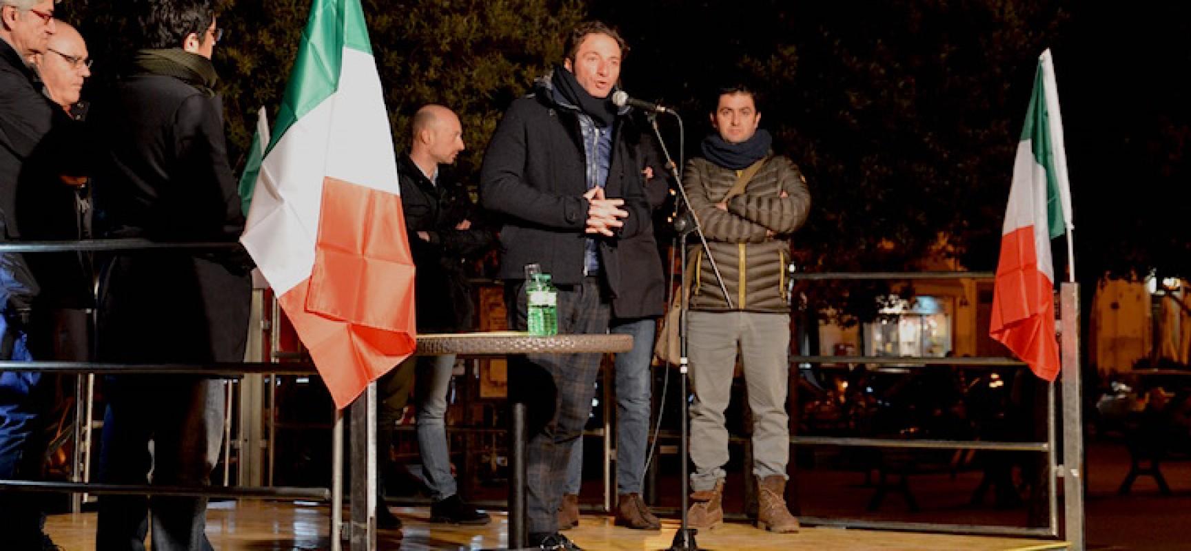 """Gianni Casella in piazza: """"Bisceglie svergognata dalla bramosia di potere di Spina"""""""