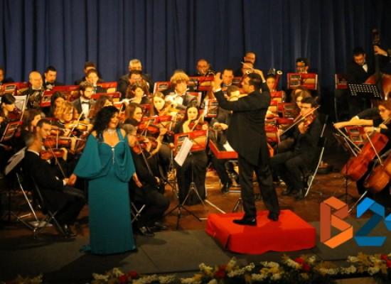 """L'orchestra """"Biagio Abbate"""" convince il pubblico del Politeama. E stasera si replica / FOTO"""