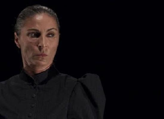 """Tra finzione e realtà """"Il Ballo"""" di Daria Paoletta conquista la platea"""