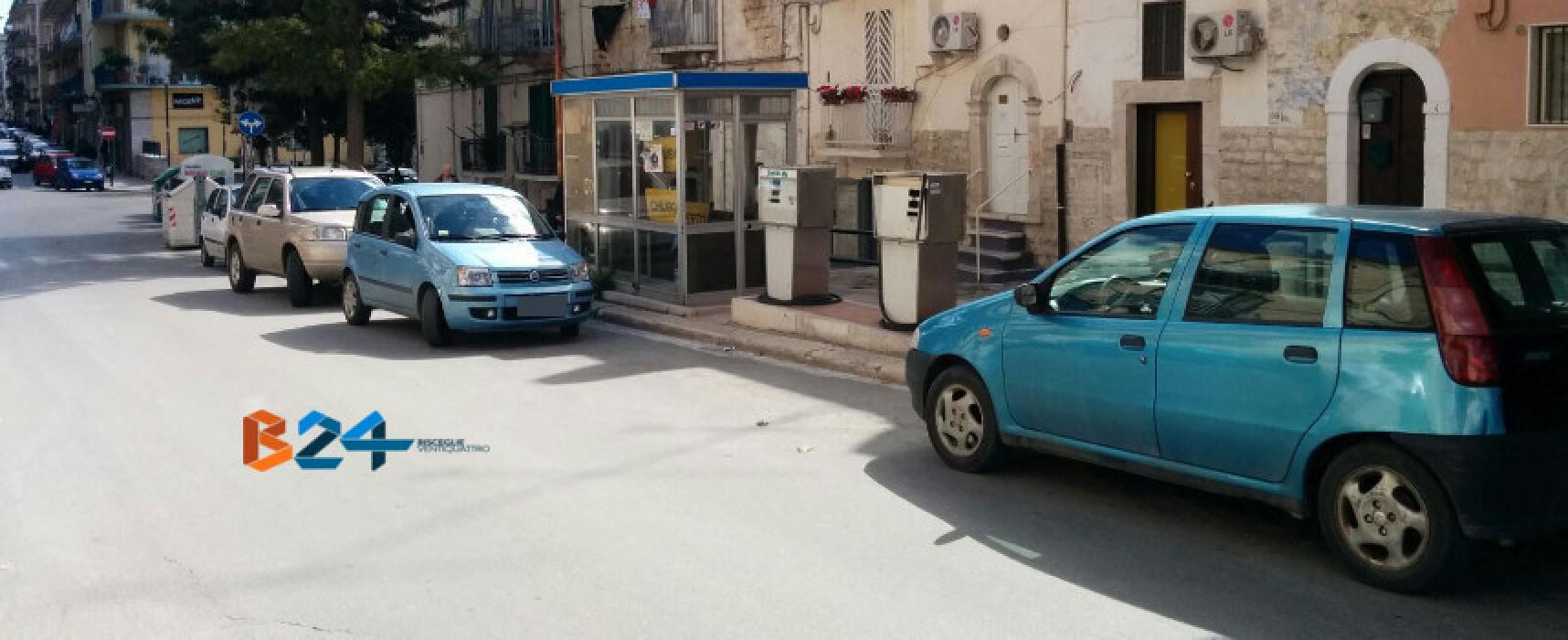 """Distributore Corso Umberto, Bisceglie 5 Stelle: """"Si dia esecuzione alla rimozione"""""""