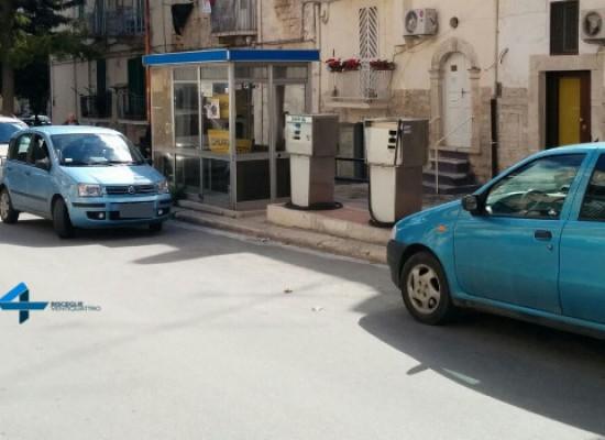Il Comune ordina la rimozione del distributore di benzina di Corso Umberto