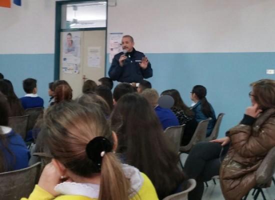 Educazione stradale con la Polizia Municipale al III circolo didattico San Giovanni Bosco