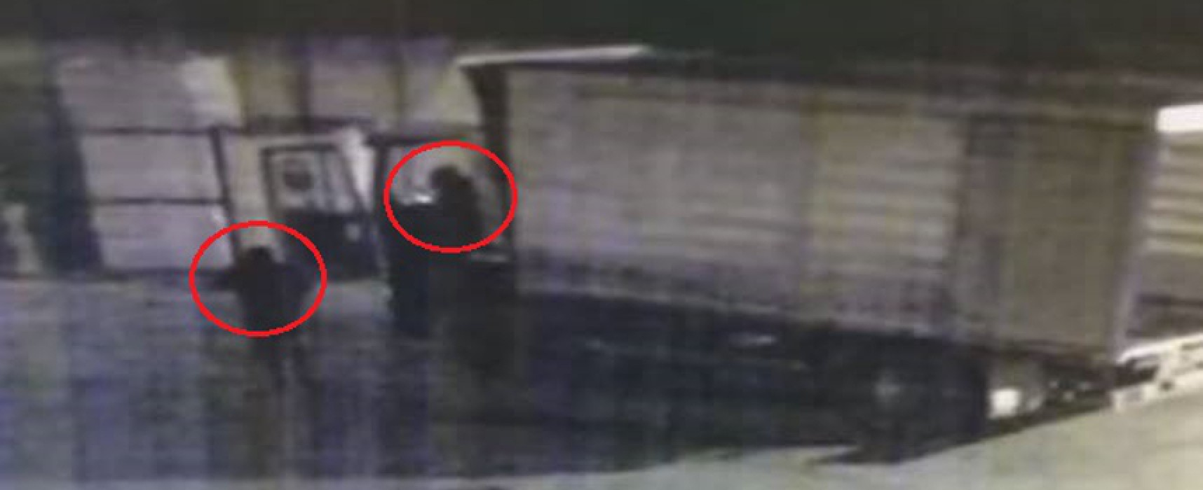 Rubato camion da azienda privata, il VIDEO del furto