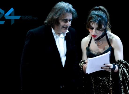 Erotismo e ambiguità al Teatro Garibaldi per la Venere in pelliccia di Sabrina Impacciatore / FOTO