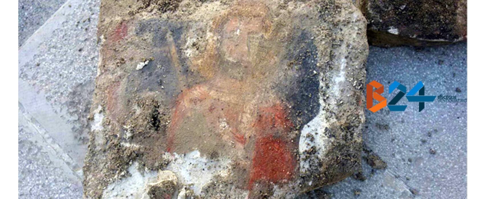 Affresco ritrovato in Largo Castello, Soprintendenza valuta possibilità di scavi nell'area