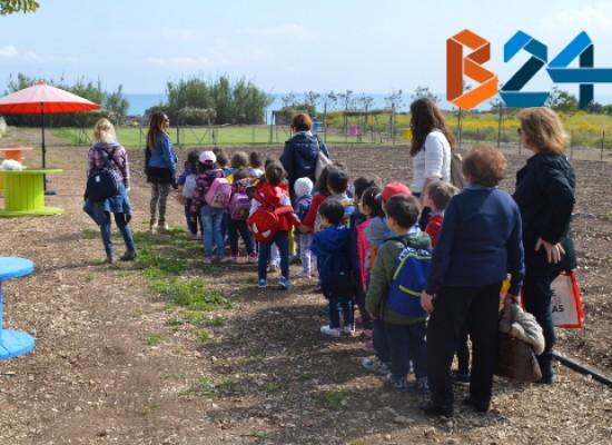 """Piccoli alunni a lezione di natura e cucina, partono le escursioni a """"Brezza tra gli ulivi"""" / FOTO"""