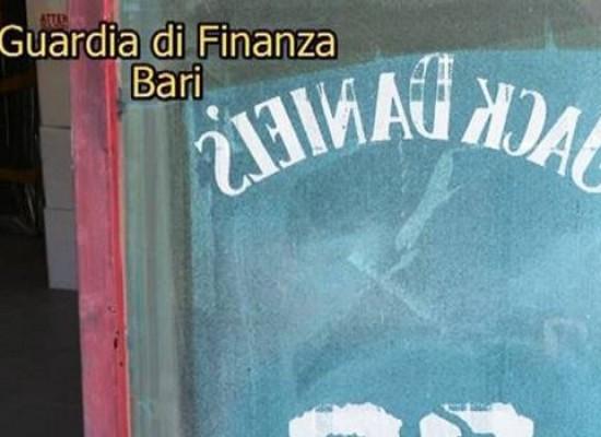 Oltre 1600 capi d'abbigliamento contraffatti sequestrati tra Bisceglie e Barletta