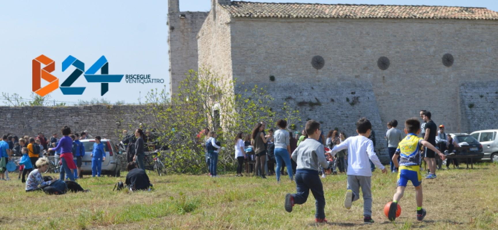 """Sorrisi, devozione e riscoperta dell'agro, le FOTO dell'iniziativa """"In cammino verso Zappino"""""""