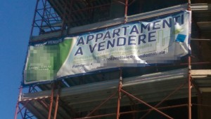 Il nome di Savino Tondo figura nei riferimenti per l'acquisto degli appartamenti nel cantiere di zona Sant'Andrea
