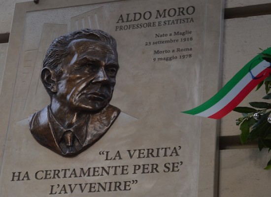 In ricordo di Aldo Moro: targa commemorativa e dibattito al Teatro Garibaldi con Gero Grassi / FOTO