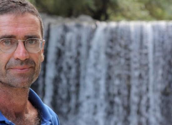 """Giulio Di Luzio presenta domani a Bisceglie il suo primo romanzo, """"La Fabbrica della Felicità"""""""