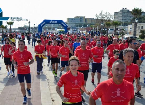 """Mille iscritti per """"Io corro con te"""", domenica 8 maggio invasione colorata sul lungomare biscegliese"""
