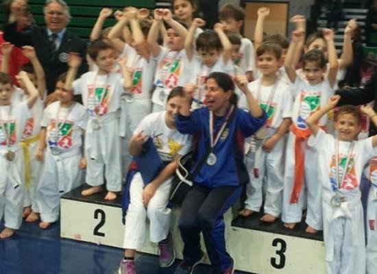 Il Gruppo Sportivo Fiamme Cremisi Bersaglieri presente al Campionato Italiano di Karate