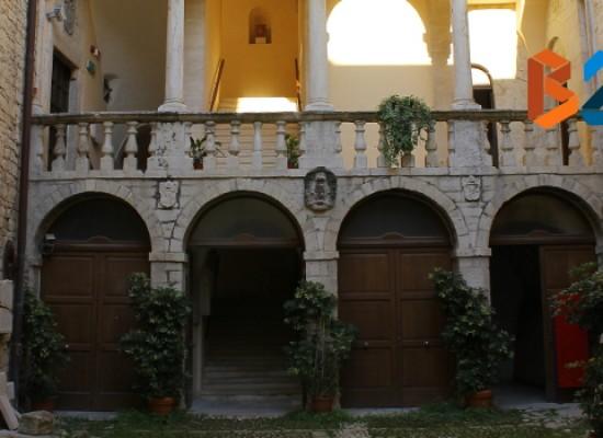 Domani Rossana Bianco presenta il volume su culto e iconografia di san Giacomo