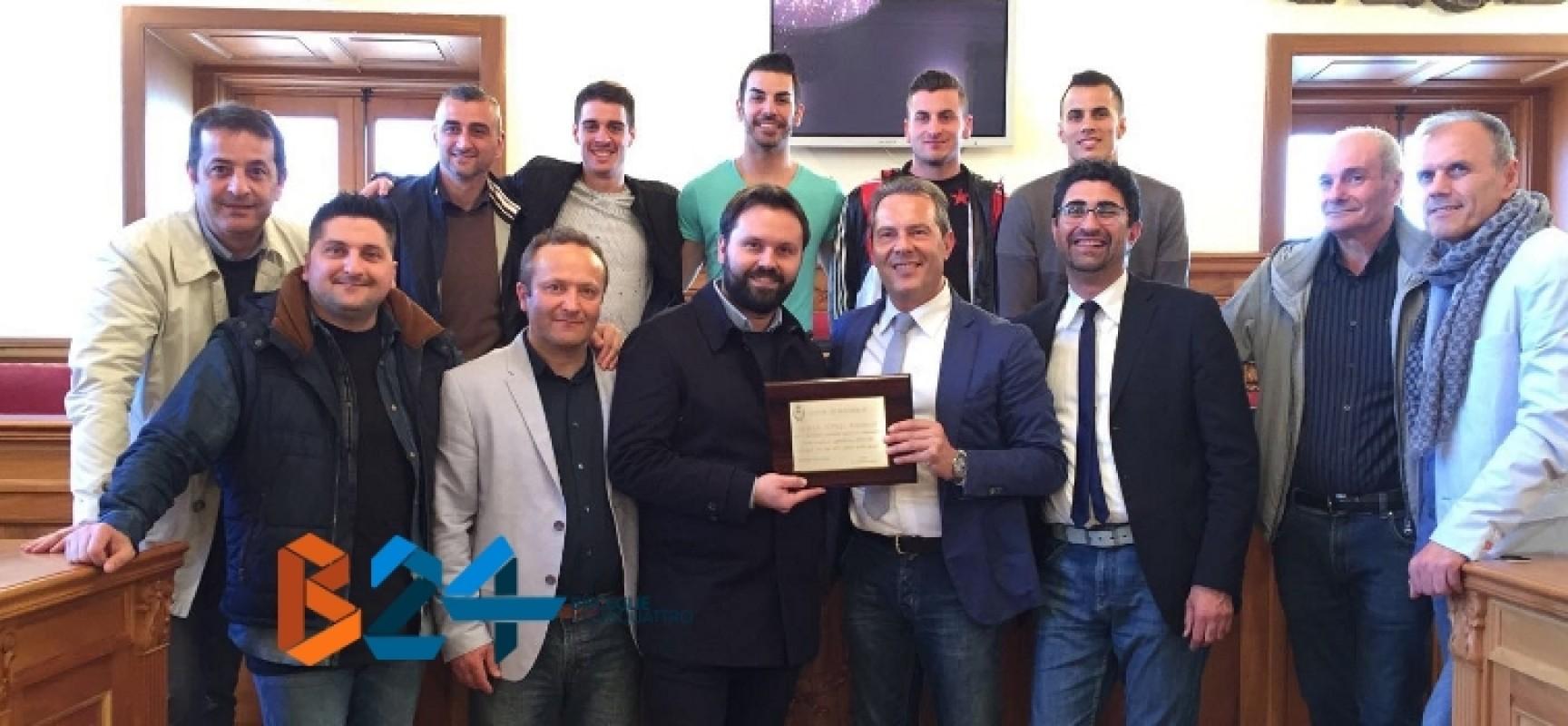 L'amministrazione comunale omaggia la grande stagione del Futsal Bisceglie