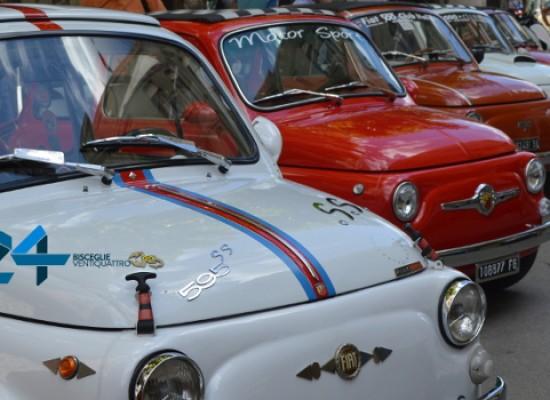 Tutti in sella e al volante: torna il raduno Fiat 500 / PROGRAMMA