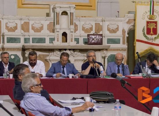 Pronuncia Corte dei Conti, maggioranza e opposizione ferme sulle proprie posizioni in consiglio