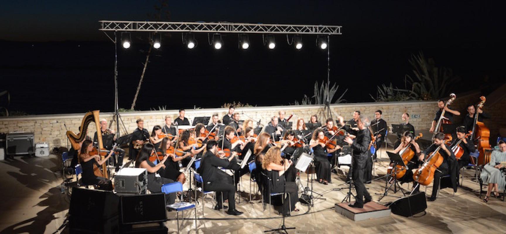 Orchestra Filarmonica Pugliese, le note di Ennio Morricone incantano il Teatro Mediterraneo