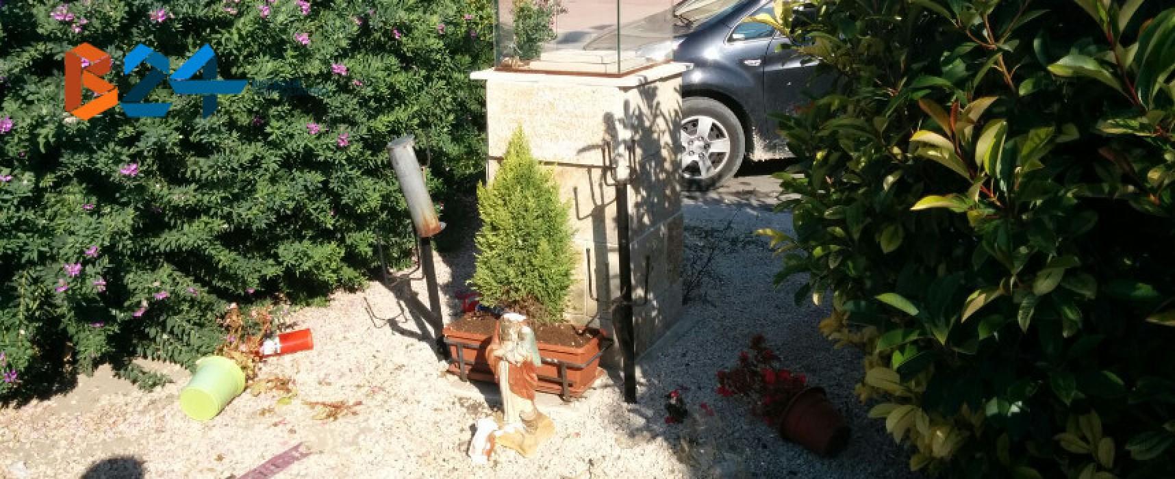 Edicola votiva di via Cavour, decapitata la statua della Madonna del Pozzo
