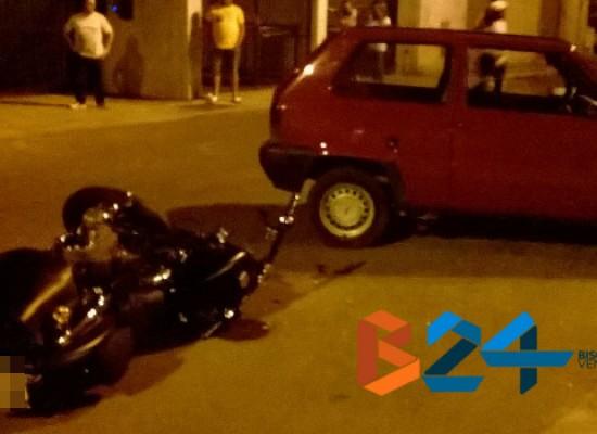 Incidente tra auto e moto in via Fragata, motociclista finisce in ospedale