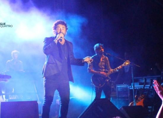 I Tiromancino lasciano il segno: successo per il concerto all'Arena del Mare / FOTO